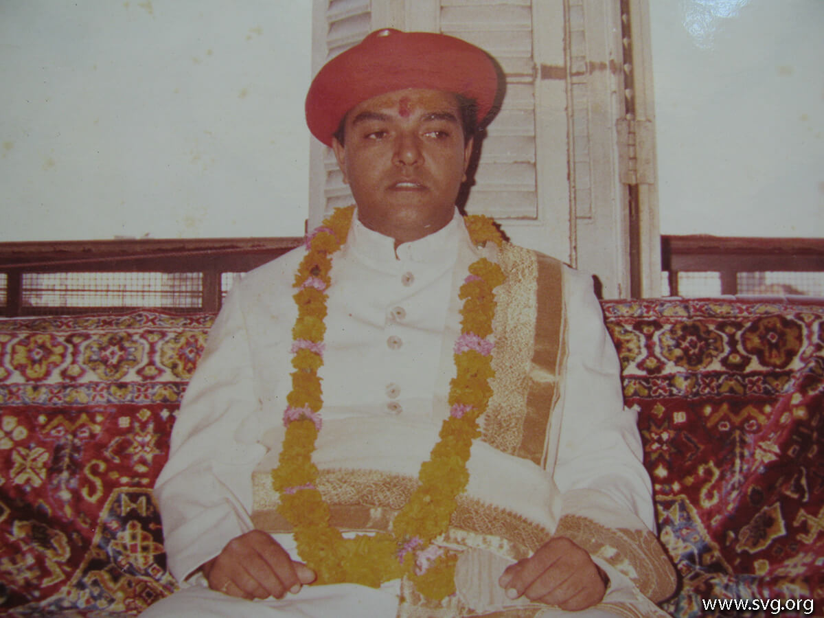Acharya Shree Ajendraprasadji Maharaj - 69th Birthday(34)