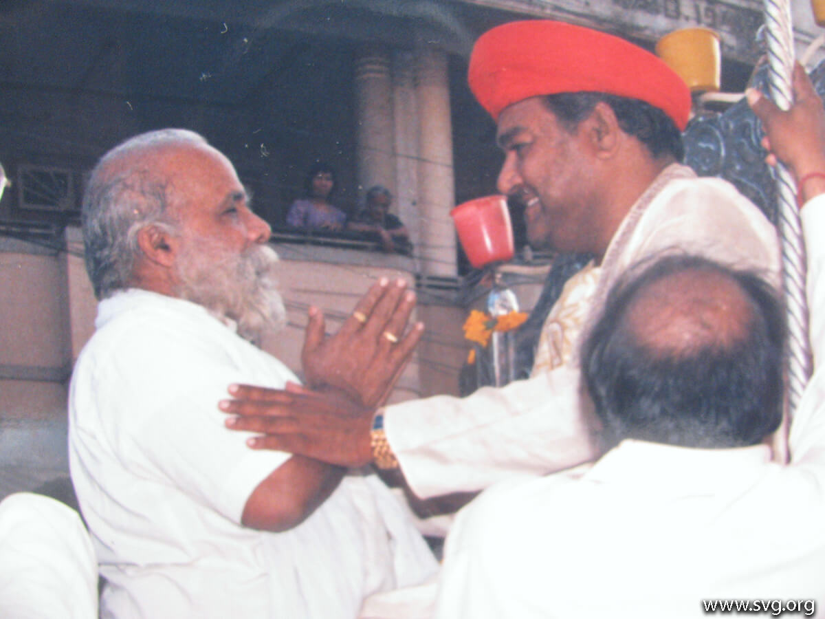 Acharya Shree Ajendraprasadji Maharaj - 69th Birthday(40)