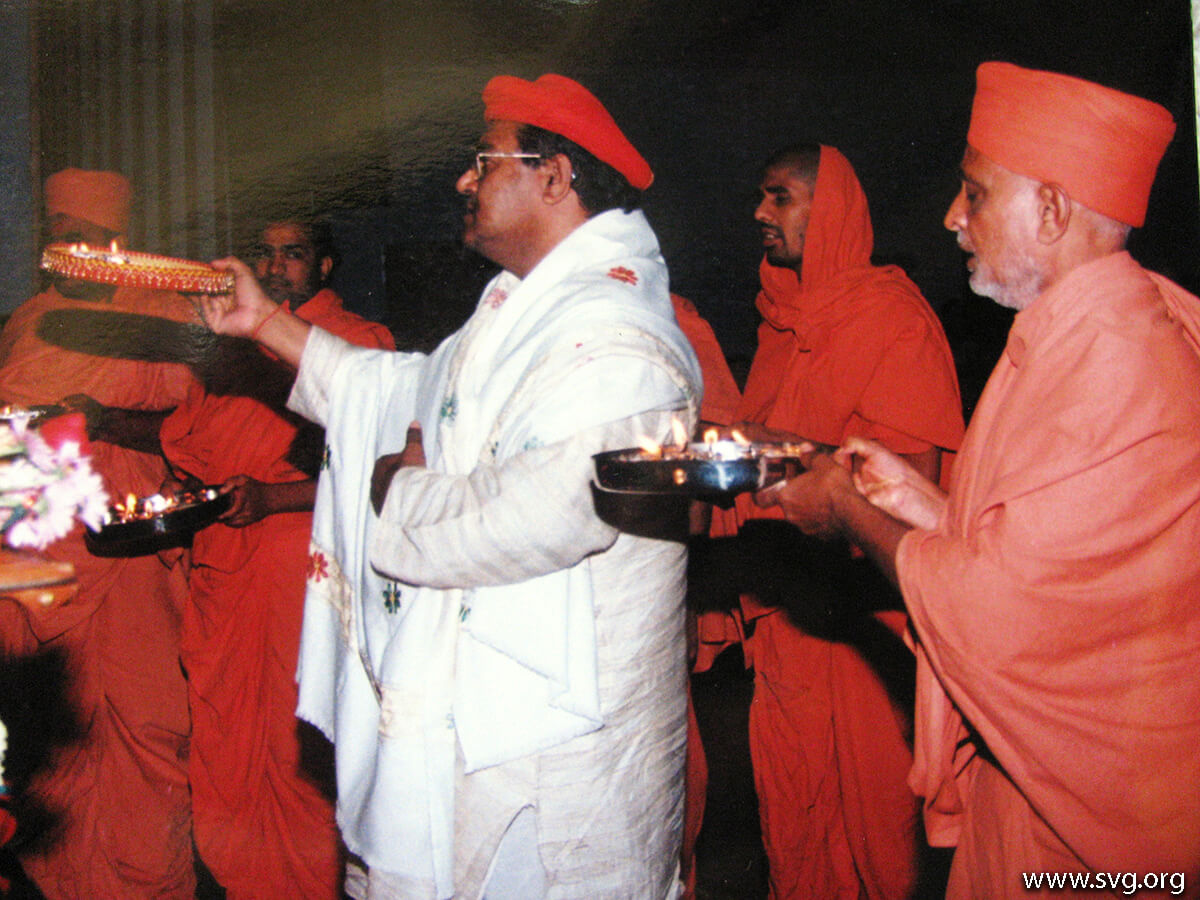 Acharya Shree Ajendraprasadji Maharaj - 69th Birthday(45)