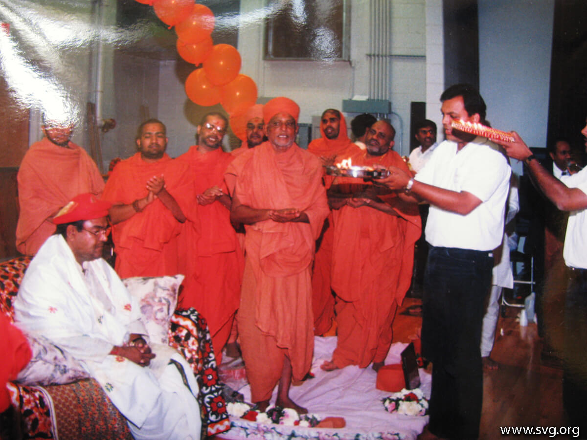 Acharya Shree Ajendraprasadji Maharaj - 69th Birthday(46)