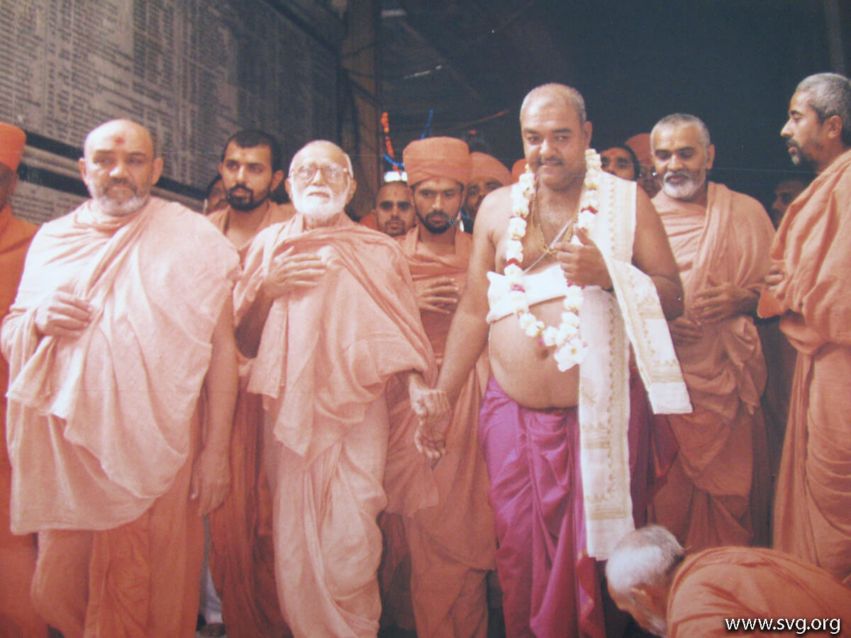 Acharya Shree Ajendraprasadji Maharaj - 69th Birthday(48)