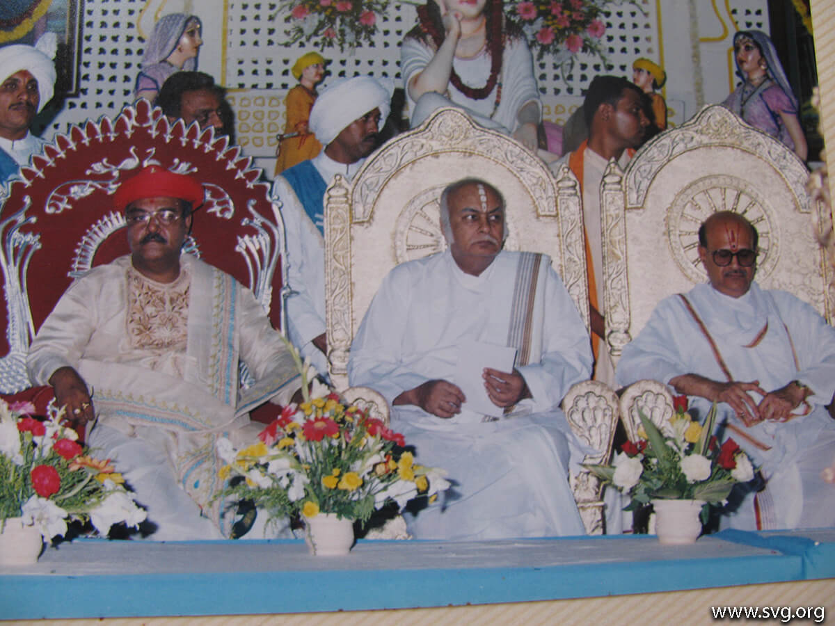 Acharya Shree Ajendraprasadji Maharaj - 69th Birthday(59)