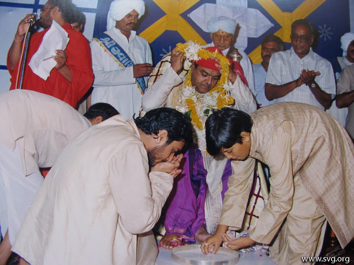 Acharya Shree Ajendraprasadji Maharaj - 69th Birthday(63)