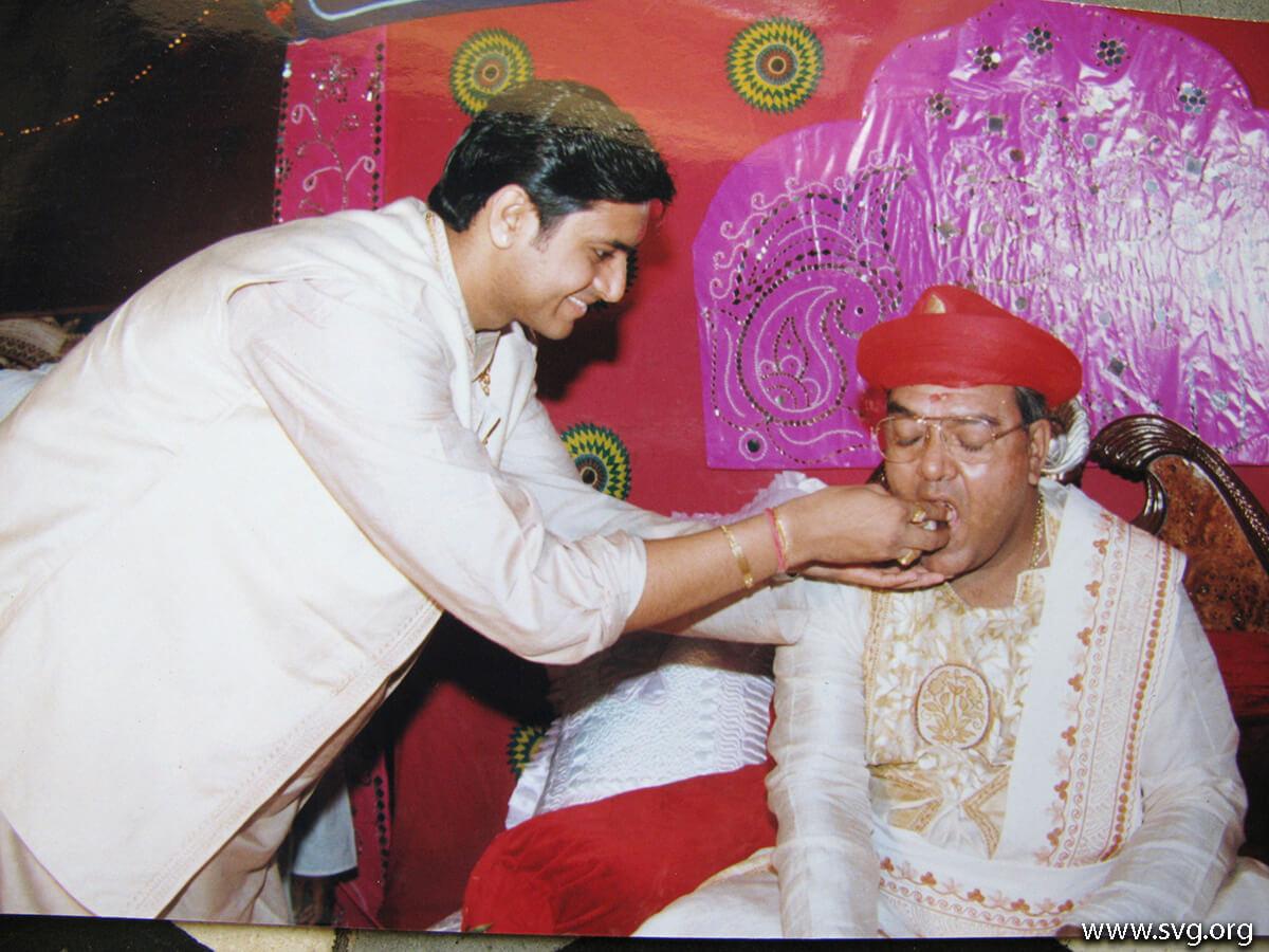 Acharya Shree Ajendraprasadji Maharaj - 69th Birthday(64)