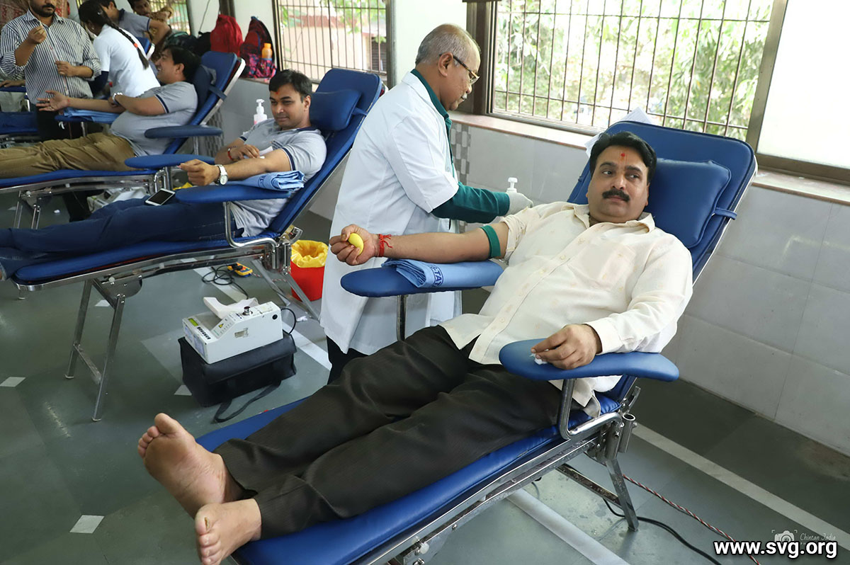 Blood Donation Camp Malad Mandir (39)